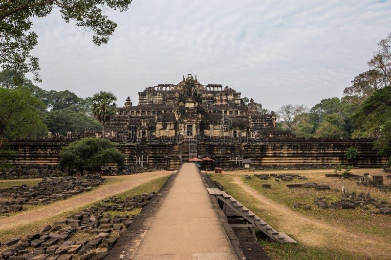 Висок Baphuon на комплексе Angkor Wat, Siem Reap, Камбодже стоковые изображения rf