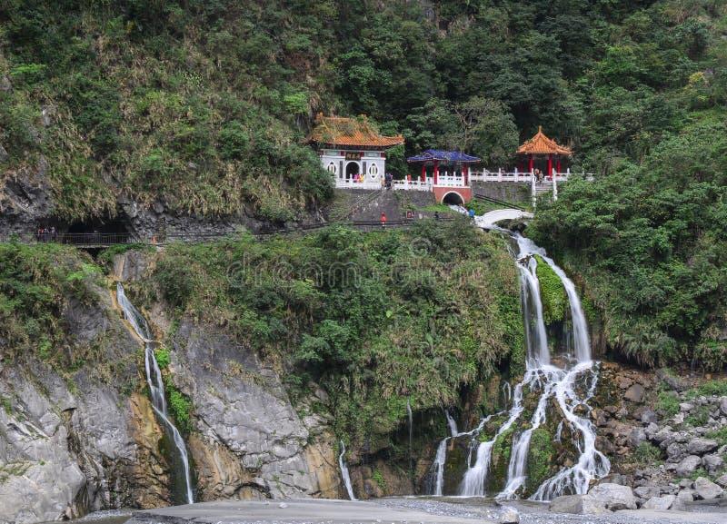 Висок Changshun на горе в Hualien, Тайване стоковые изображения rf