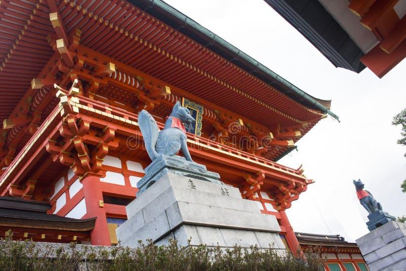 Висок Fushimi Inari Taisha, Киото, Япония стоковая фотография