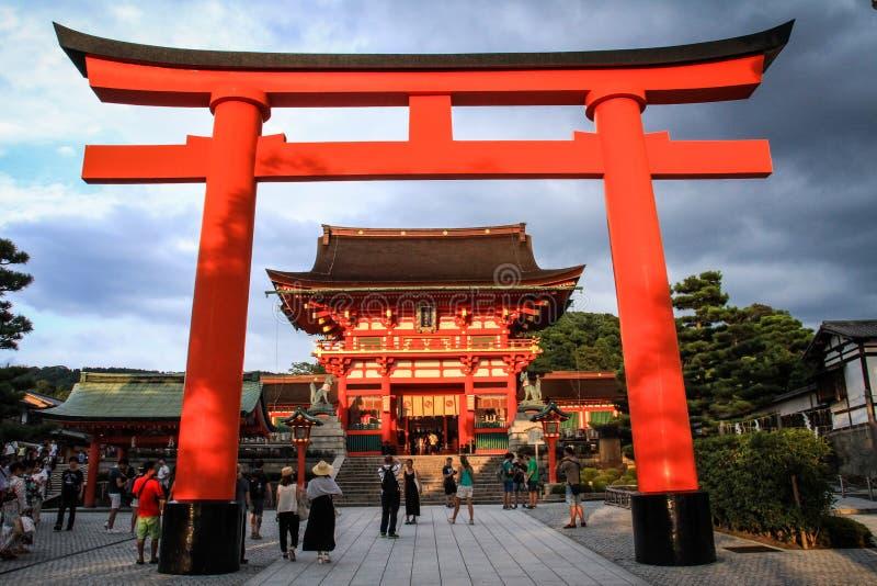 Висок Fushimi Inari Taisha, Fushimi-ku, Киото, Kansai, Япония стоковые изображения rf