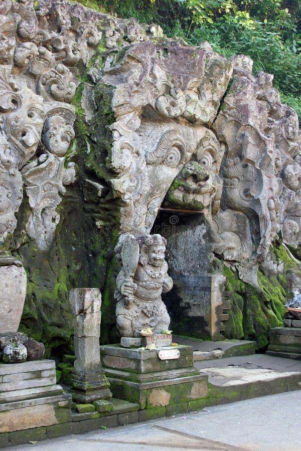 Висок Goa Gajah - вход пещеры стоковые фото