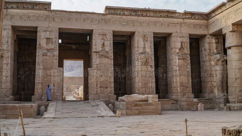 Висок Medinet Habu Египет, Луксор Висок покойницкой Ramesses III на Medinet Habu важный новый период королевства стоковое изображение