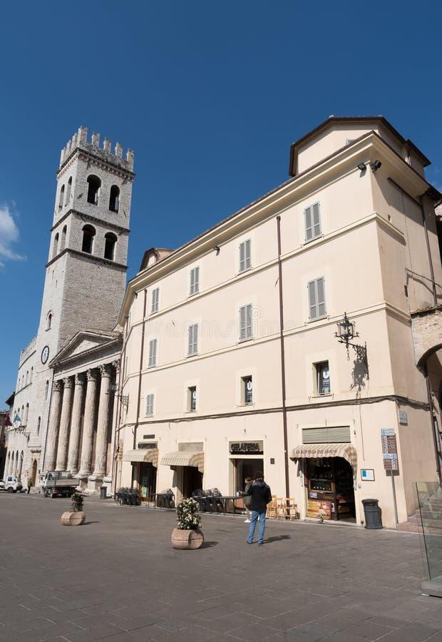Висок Minerva в аркаде del Comune в Assisi, Италии стоковые фото