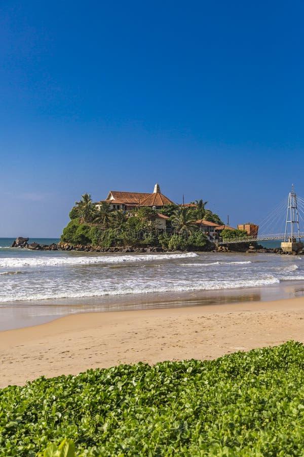 Висок Paravi Duwa в Matara, Шри-Ланка стоковые изображения rf