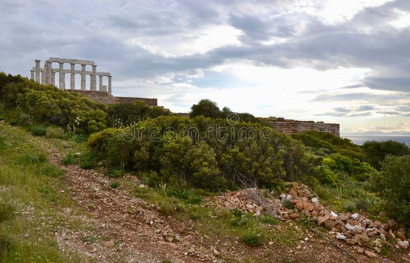 Висок Poseidon на накидке Sounion в Греции стоковое фото