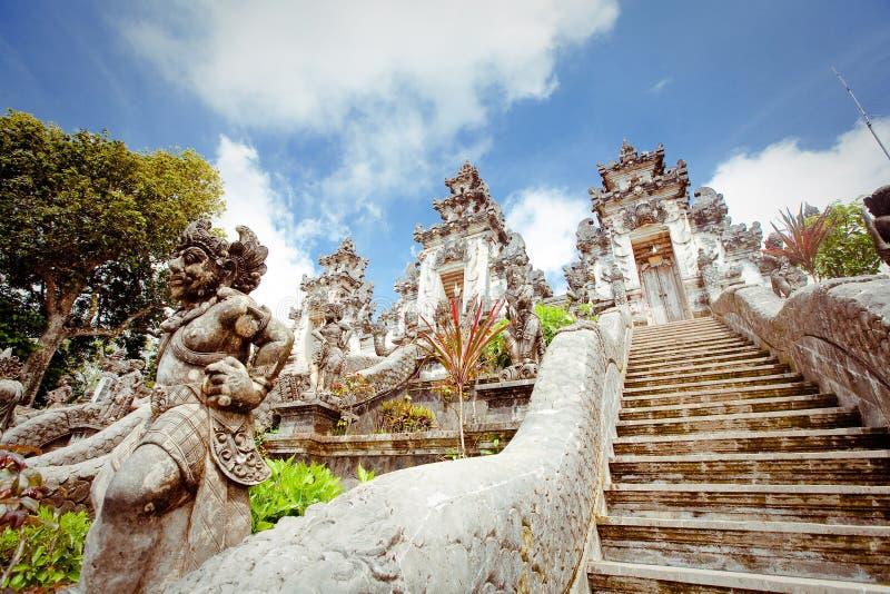 Висок Pura Lempuyang. Бали стоковая фотография