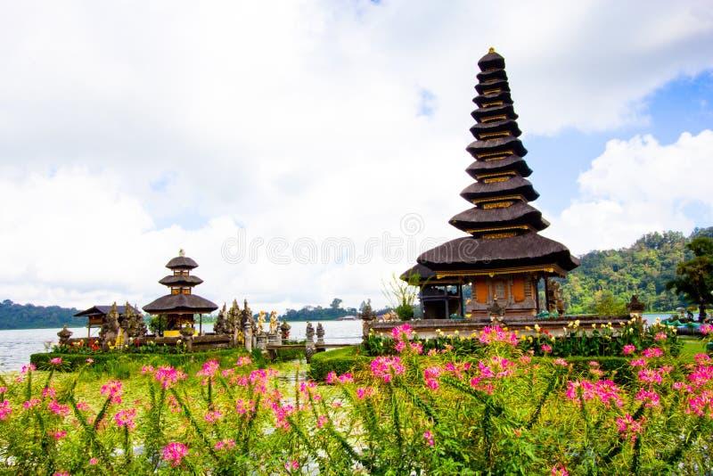Висок Pura Ulun Danu на озере Beratan Бали, Индонезия стоковая фотография rf
