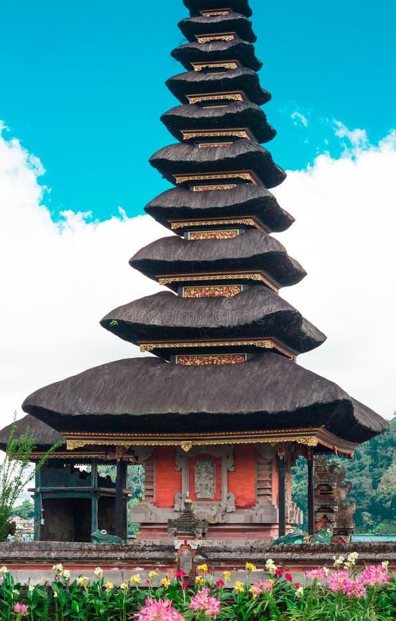 Висок Pura Ulun Danu на озере Beratan тюкованный стоковые фотографии rf