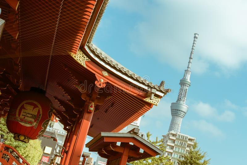Висок Senso-ji и башня Skytree токио стоковое фото rf