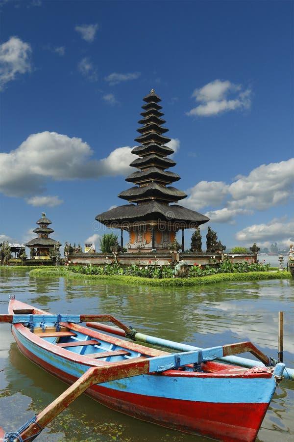 Висок Ulun на bedugul-Бали-Индонезии стоковые изображения rf