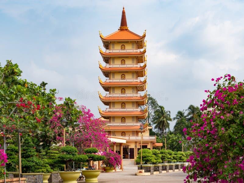 Висок Vinh Trang в моем Tho, Вьетнаме стоковые изображения