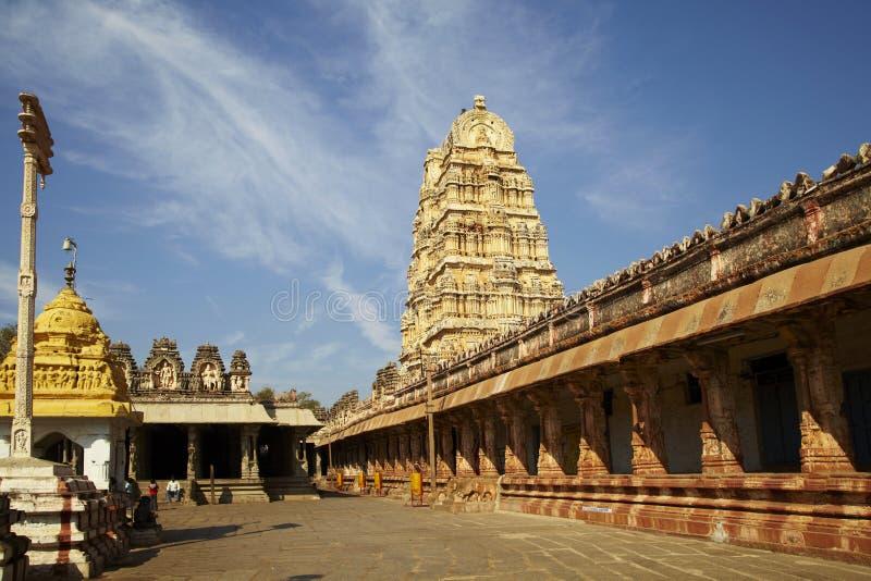 Висок Virupaksha Vishnu, Vijayanagar, Karnataka, Индия Картины потолка со сценами от индусской мифологии, передовицы стоковая фотография