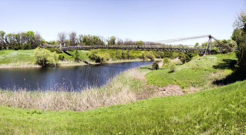 Висячий мост города стоковые фото