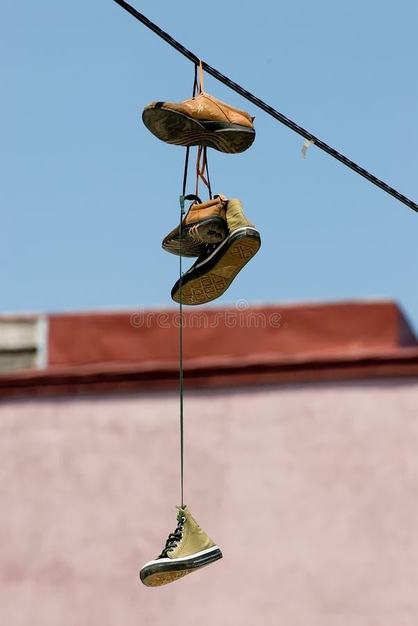 вися ботинки стоковое фото rf
