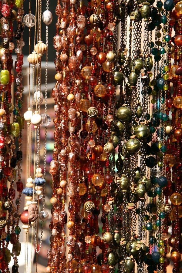 вися текстурированные ожерелья стоковое изображение
