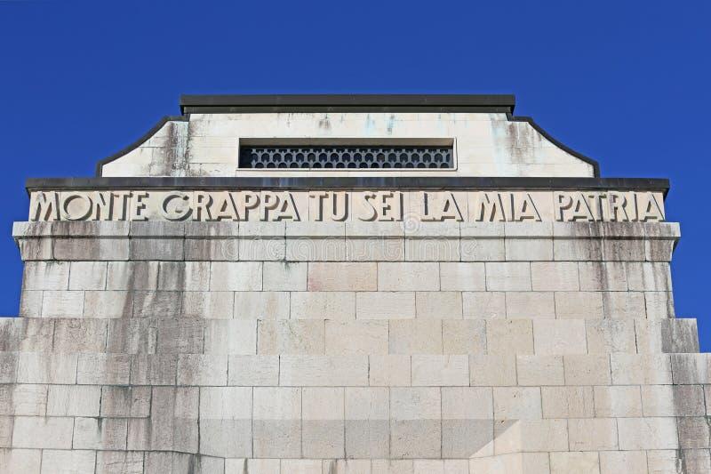Виченца, VI, Италия - 8-ое декабря 2015: Военный мемориал первой войны стоковое изображение rf
