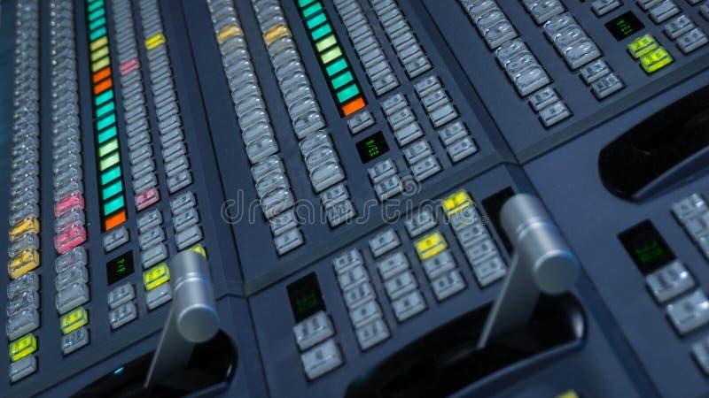 Видео- Switcher с много кнопками цвета стоковые изображения rf