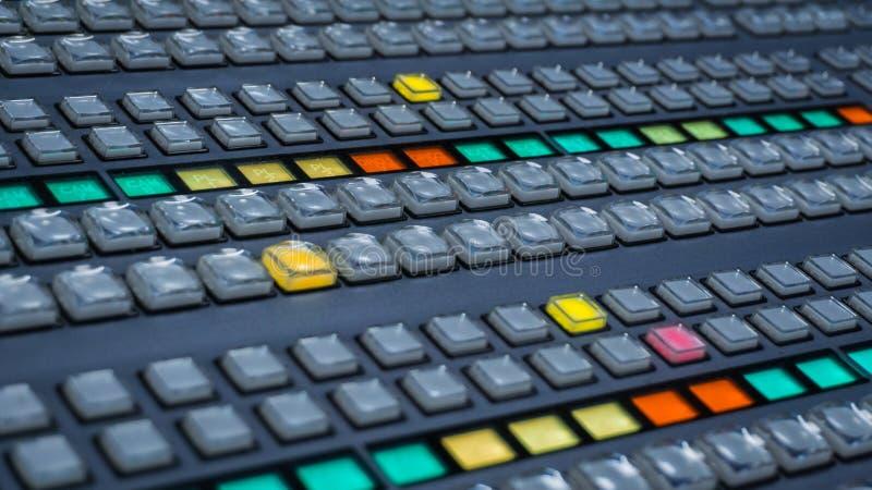 Видео- Switcher с много кнопками цвета стоковое изображение rf