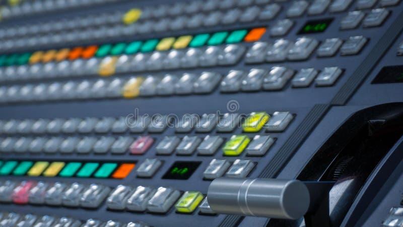 Видео- Switcher с много кнопками цвета стоковое фото
