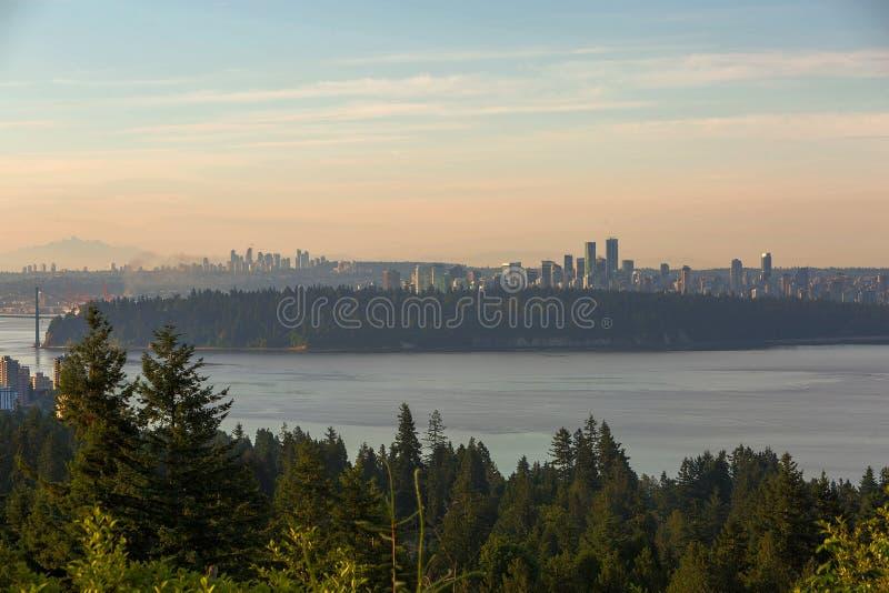 Вид на город Ванкувера и Burnaby ДО РОЖДЕСТВА ХРИСТОВА стоковые изображения