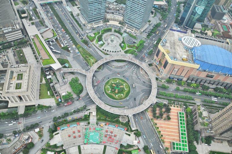 Вид на город Шанхая от восточной башни жемчуга стоковое изображение