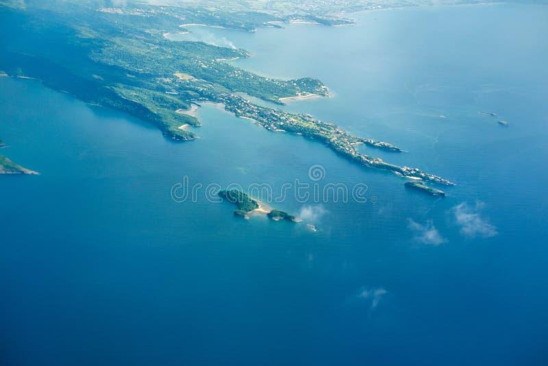 Вид на земле от плоского окна стоковые фотографии rf