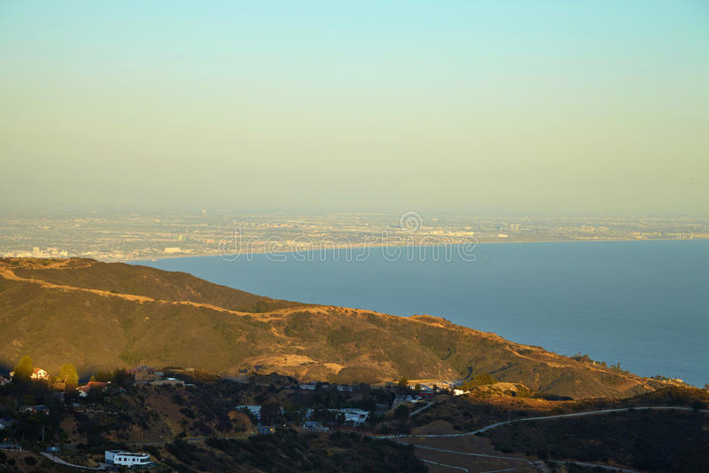 Вид на океан и геология, Malibu, CA стоковое изображение