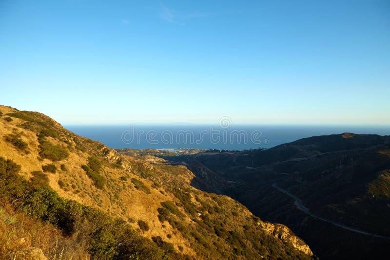 Вид на океан и геология, Malibu, CA стоковые изображения rf