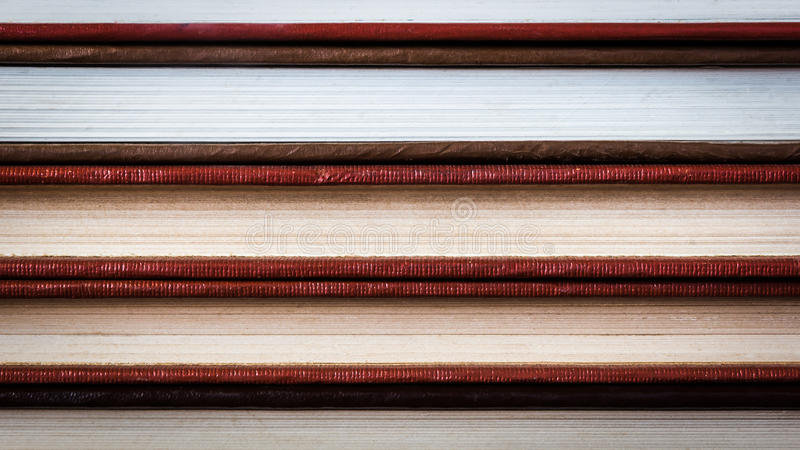 Вид страниц книги, изготовленная медицина учебника книга в твердой обложке стоковое изображение