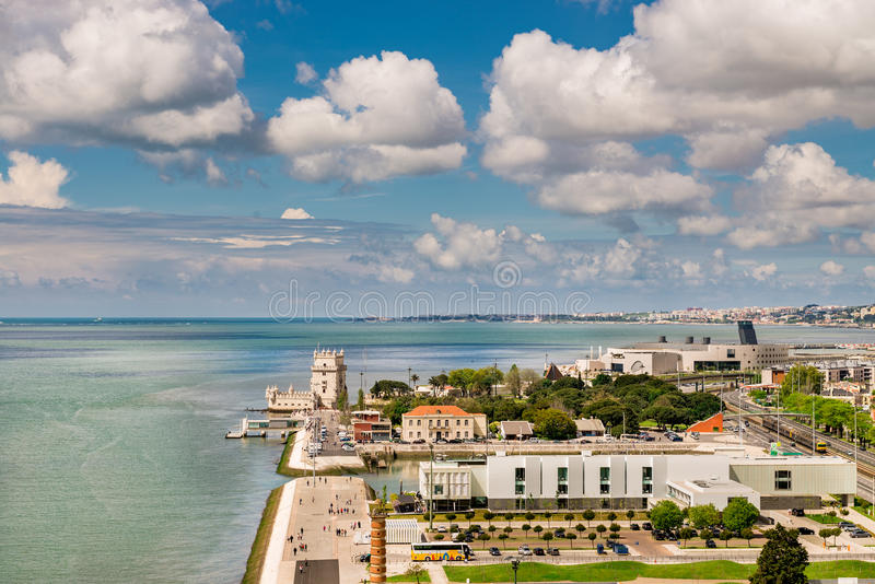 Вид с воздуха башни Belem на Реке Tagus, Лиссабоне стоковое фото rf