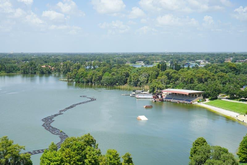 Вид с воздуха большого озера в Лейкленде, Флориде стоковые изображения rf
