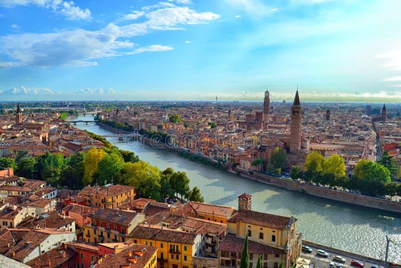 Вид с воздуха Вероны от Castel Сан Pietro стоковое фото