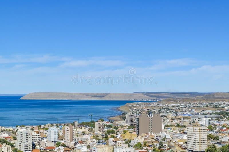 Вид с воздуха города Comodoro Rivadavia, Аргентины стоковые фото