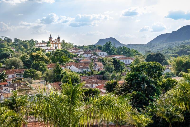 Вид с воздуха городка Tiradentes и церков Santo Антонио - Tiradentes, мин Gerais, Бразилии стоковое фото
