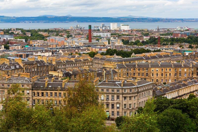 Вид с воздуха городского пейзажа Эдинбурга стоковое изображение rf