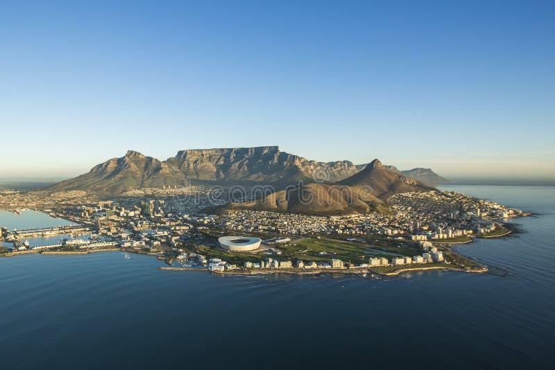 Вид с воздуха горы Южной Африки таблицы Кейптауна стоковые изображения