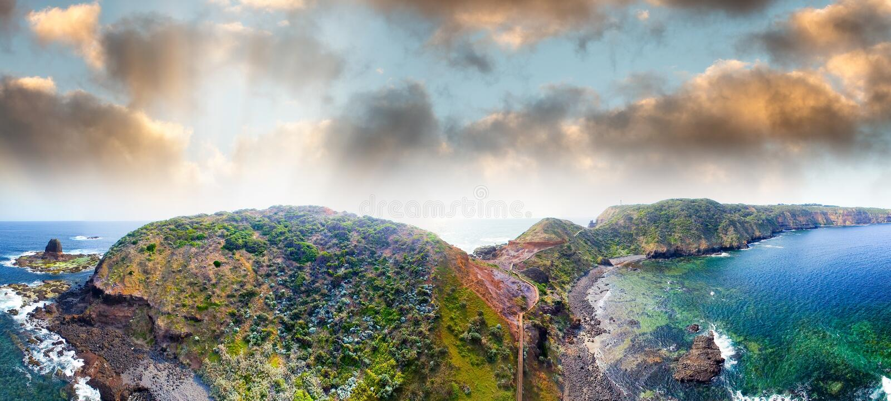 Вид с воздуха гор и океана Schanck накидки, Mornington Peninsu стоковые фото