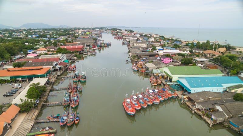 Вид с воздуха деревни рыболова стоковые изображения rf