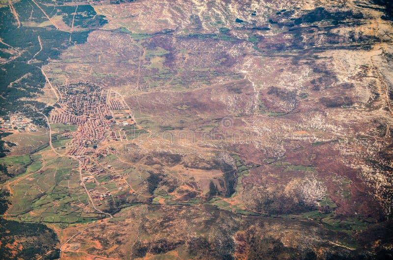 Вид с воздуха жилого района в зиме стоковая фотография rf