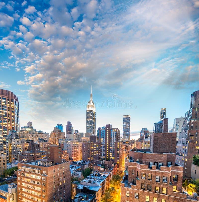 Вид с воздуха захода солнца центра города Манхаттана, Нью-Йорка стоковое фото