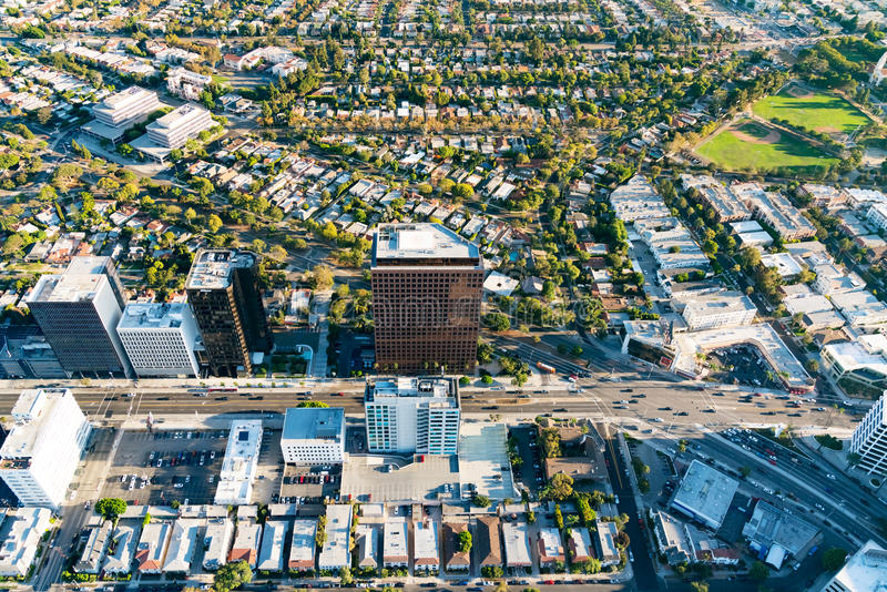 Вид с воздуха зданий на бульваре Wilshire в ЛА стоковые изображения rf