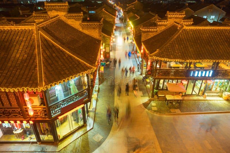 Вид с воздуха исторических зданий на ноче в Янчжоу стоковое фото rf