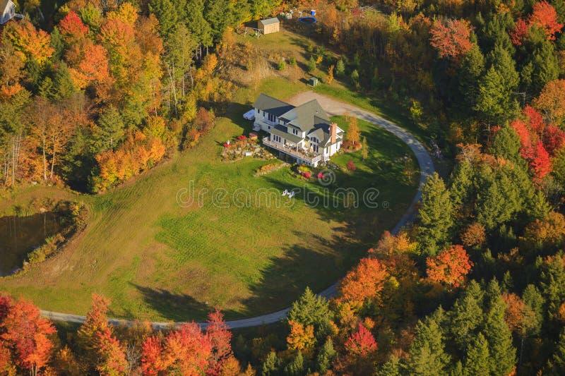 Вид с воздуха личной резиденции в Вермонте, США стоковое изображение rf
