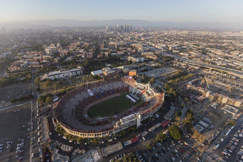 Вид с воздуха Колизея Лос-Анджелеса мемориальный стоковые изображения rf