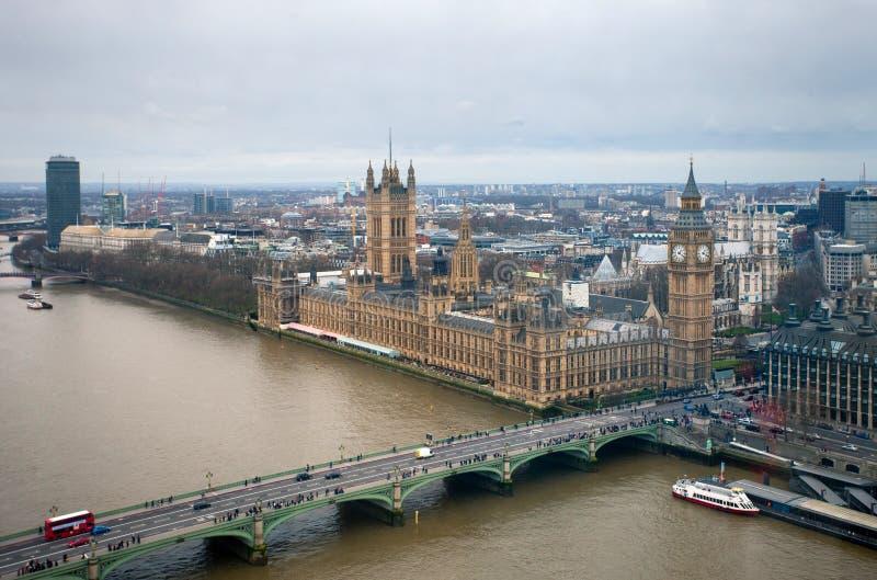 Вид с воздуха Лондона с большим Бен, дворцом Вестминстера стоковое фото rf
