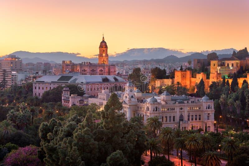 Вид с воздуха Малаги в вечере, Малаги, Андалусии, Испании стоковые изображения