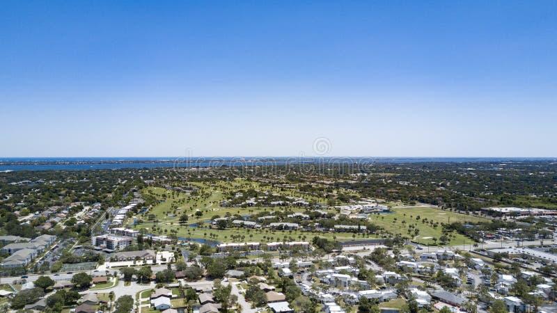 Вид с воздуха Мельбурна к Атлантике стоковое изображение rf