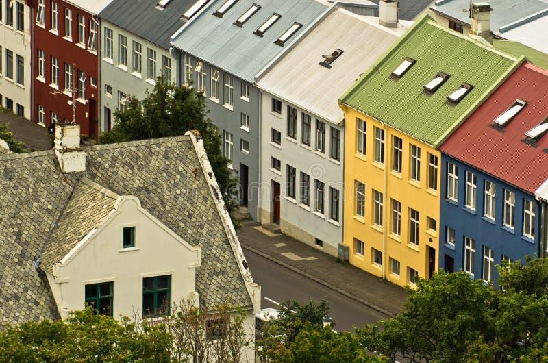 Вид с воздуха на красочной архитектуре, центре города Reykjavik стоковое изображение rf