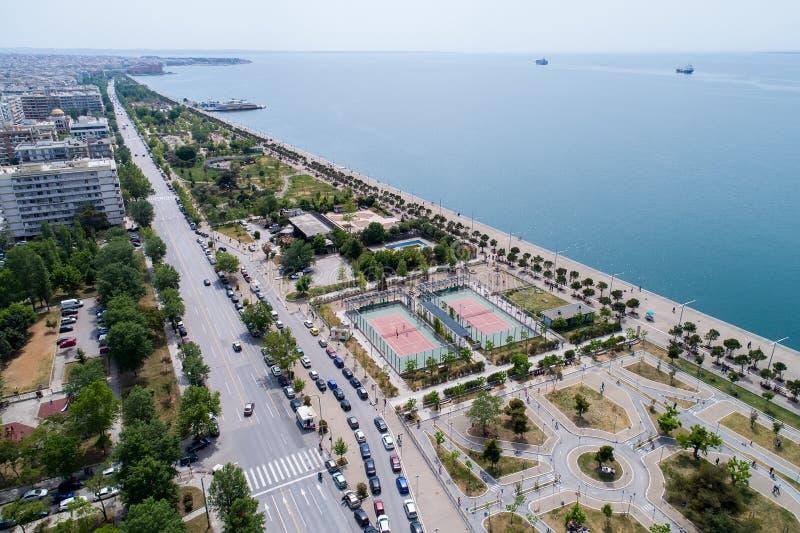 Вид с воздуха нового парка и портового района города Th стоковые фотографии rf
