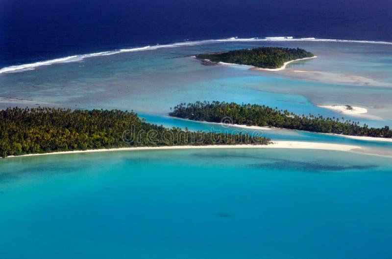 Вид с воздуха Острова Кука лагуны Aitutaki стоковые изображения rf